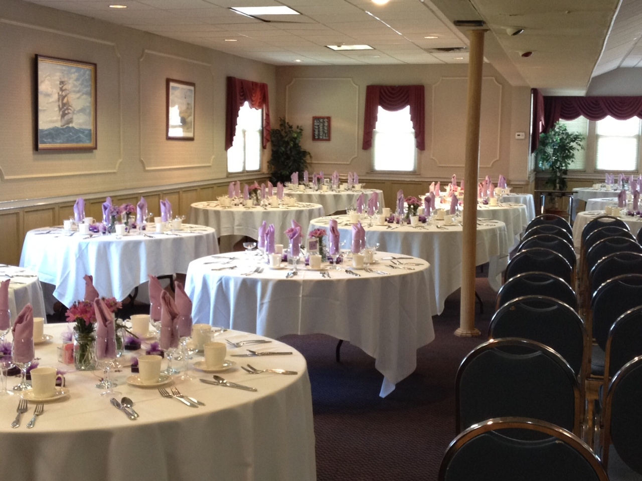 Wedding table set up. Renting a Catering Hall & Delicious Moments Caterers Blog | Delicious Moments Caterers